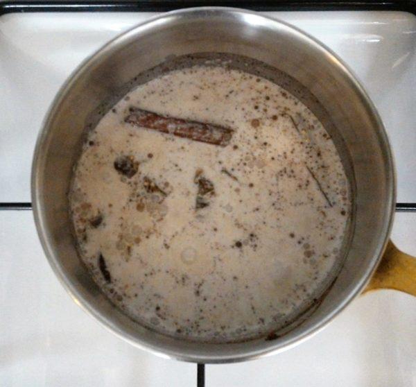 Laissez mijoter à feu doux sans remuer pendant une quinzaine de minutes.