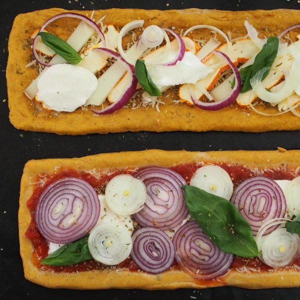 Garnissez ensuite selon votre convenance avant d'enfourner pendant 10 à 15 minutes suivant la taille de vos pizzas.
