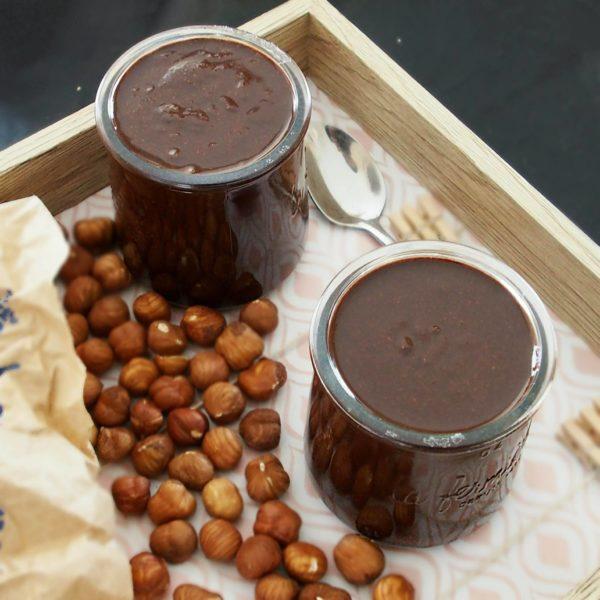 Vous pouvez ajuster les quantités de cacao et sucre selon vos goûts. Évitez les sucrants liquides qui altèrent la  texture de la purée d'oléagineux.