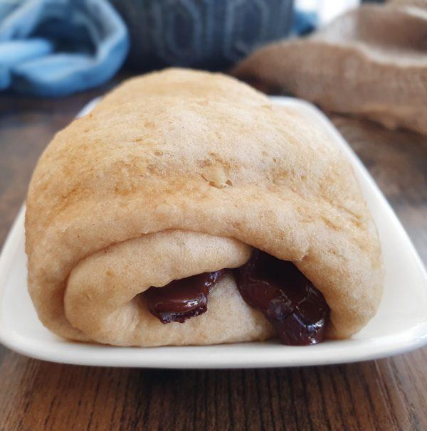 pain au chocolat brioché Recettes Express : 18 gourmandises vegans sucrées et salées au micro-ondes. Ebook et recettes de mail0ves - mailo fait maison