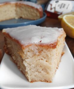 Cake au Citron Sans Gluten (ou pas). La recette sans beurre (vegan) et sans sucre raffiné de cake au citron de mail0ves - Mailo Fait Maison