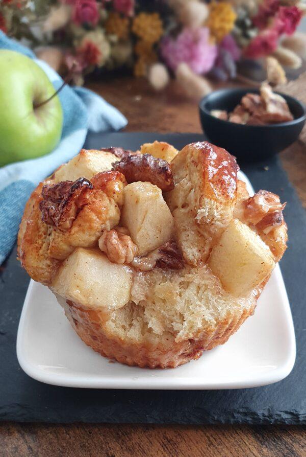 Apple Nut Muffins Vegans - 18 Recettes végétales simples, faciles et rapides pour le brunch express ou le petit déjeuner. Recettes natures, sucrées et salées de mail0ves - Mailo Fait Maison