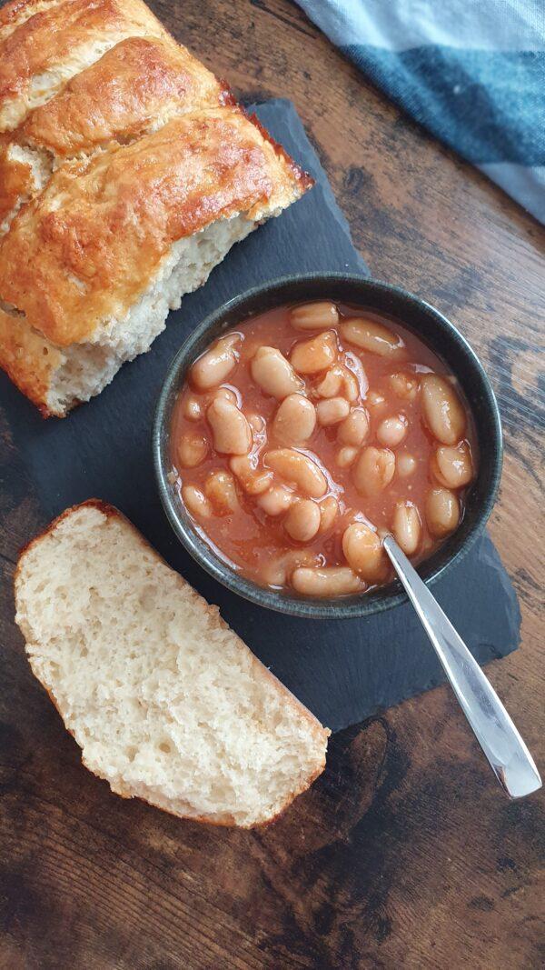 English Baked Beans Vegans - 18 Recettes végétales simples, faciles et rapides pour le brunch express ou le petit déjeuner. Recettes natures, sucrées et salées de mail0ves - Mailo Fait Maison