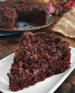 Gâteau au Chocolat Moelleux Fondant et Croustillant : Cake au Chocolat vegan avec gâteau, crème et crumble de Mail0ves - Mailo Fait Maison